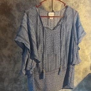 Liz Claiborne flutter sleeves blouse